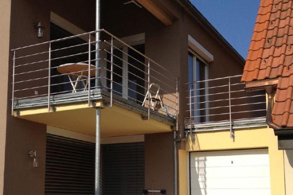 moser-metallbau-hornberg-balkone-gelaender01AB3658AE-08E4-5B03-C8C2-7230DCB7E2B5.jpg