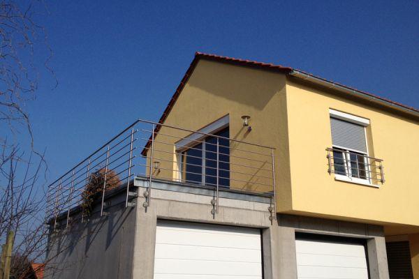 moser-metallbau-hornberg-balkone-gelaender024C116D90-300B-AE8C-7E1E-5D1D36AFB2C9.jpg