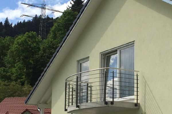 moser-metallbau-hornberg-balkone-gelaender0487D900CF-32A3-2202-24EC-8229850F4135.jpg