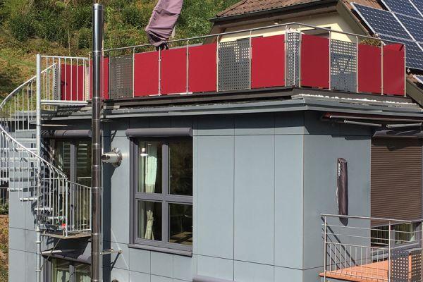 moser-metallbau-hornberg-balkone-gelaender0813F1D078-5482-EC8D-E50F-20F6D9BFD123.jpg