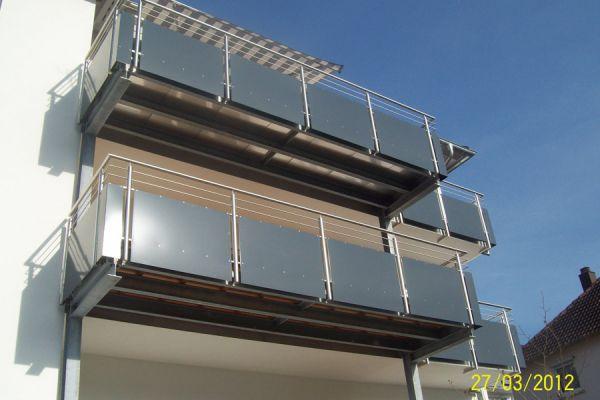 moser-metallbau-hornberg-balkone-gelaender183BFB77B9-3578-8A84-0287-C39DF2AA7D60.jpg