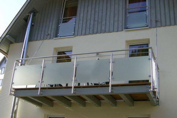 moser-metallbau-hornberg-balkone-gelaender224481C0D3-F683-9FAE-889F-81722E964CB6.jpg