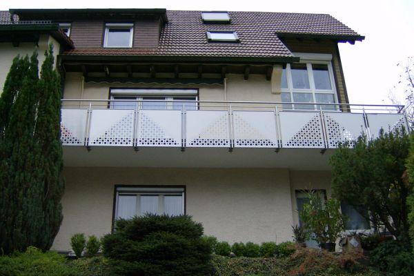 moser-metallbau-hornberg-balkone-gelaender23B1BE703A-5783-E954-7B2C-69147BA7E1B4.jpg