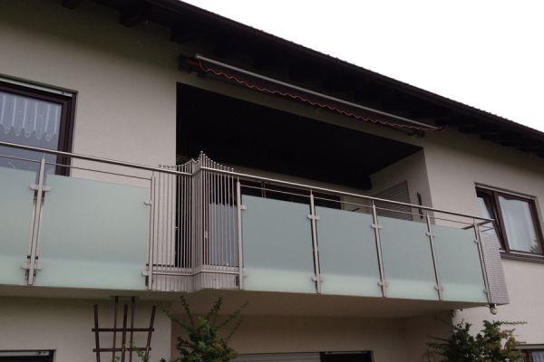 moser-metallbau-hornberg-balkone-gelaender246960A420-002E-BB32-2DC2-D5B692C9E3C2.jpg