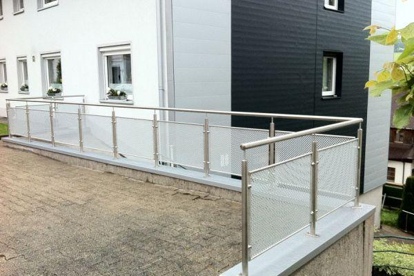 moser-metallbau-hornberg-balkone-gelaender27BB48FCB7-A220-1B65-8EC0-F364B163CD8E.jpg