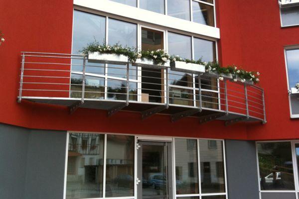 moser-metallbau-hornberg-balkone-gelaender28BD3552F6-378A-07DC-59D7-EABDC602B521.jpg