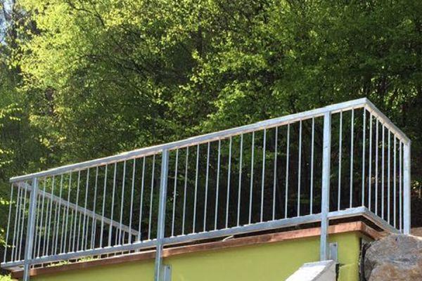 moser-metallbau-hornberg-balkone-gelaender379BD6DC65-0A59-0874-2041-AD77926D5D35.jpg