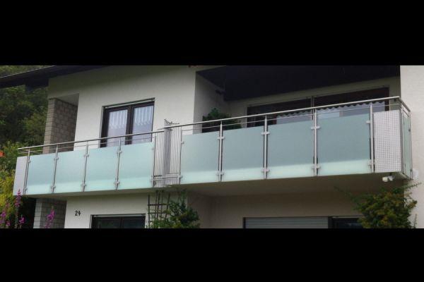 moser-metallbau-hornberg-balkone-gelaender39C9CD87AB-CF92-B575-A82A-064B501222DC.jpg