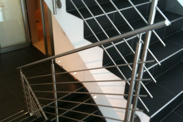 moser-metallbau-hornberg-treppen-gelaender15A0A6154F-91A7-F302-81E1-A8E38BF5B361.jpg