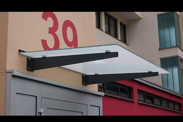 moser-metallbau-hornberg-vordaecher-carports-ueberdachungen13E489B396-BACB-081A-D9E5-16F2F0935315.jpg