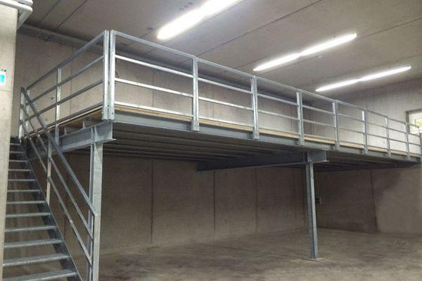 moser-metallbau-stahlbauten-podest-zwischenebene-lagerhalleEA75D732-B29F-BA29-C0AA-6F21E3E6D5D5.jpg
